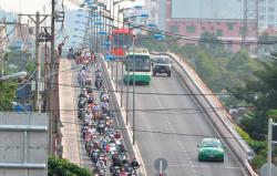 Cô gái bị cướp xe máy cùng với hơn nửa tỉ đồng giữa ban ngày ở Sài Gòn